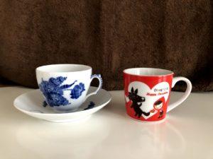 いつも使っているカップと臨時休校の気分転換にカフェごっこをした時につかったカップ&ソーサ